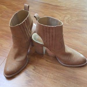 Dolce Vita Jasper Boots
